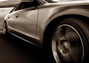 Trockenstrahlen zur Autosäuberung ohne Rückstände